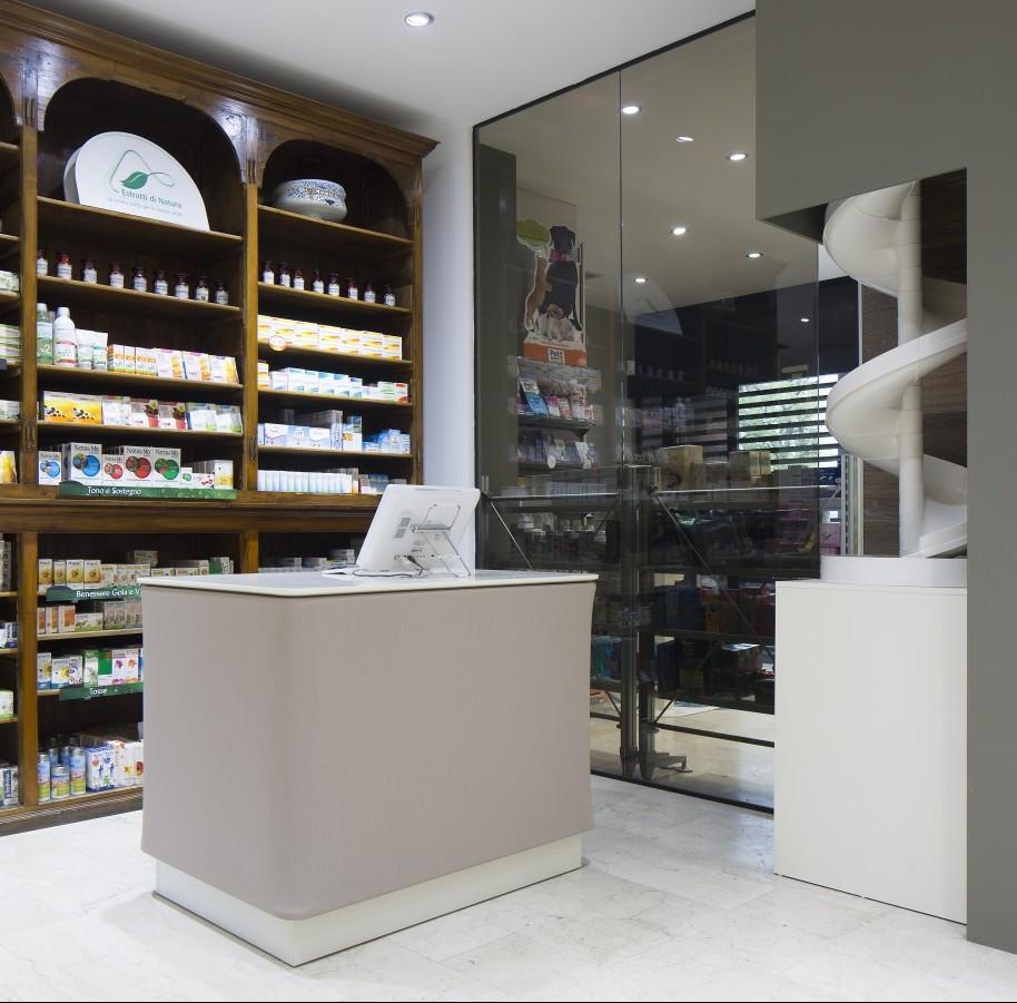 Loov Design - Contract - Progetto e realizzazione Farmacia